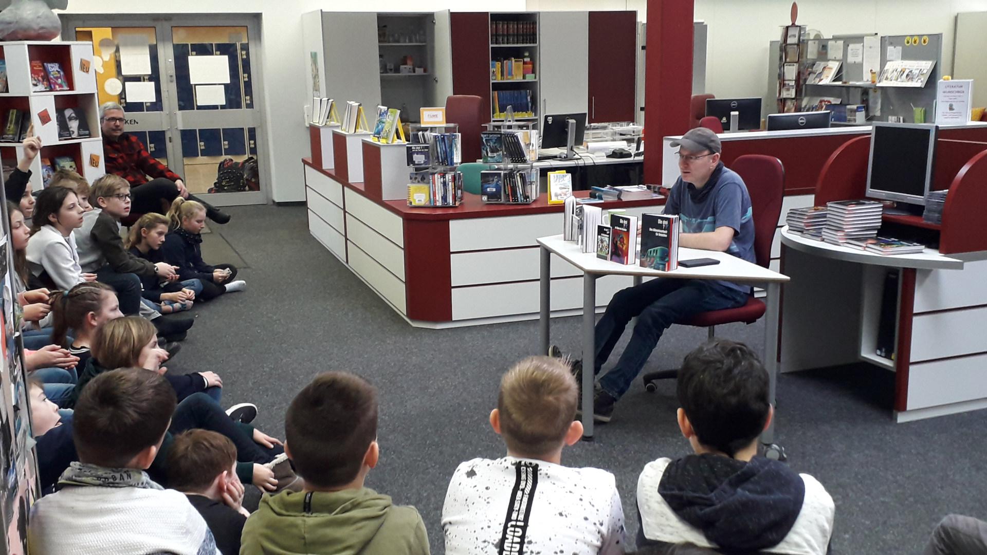 Autorenlesung Christoph Dittert in der Schulbibliothek